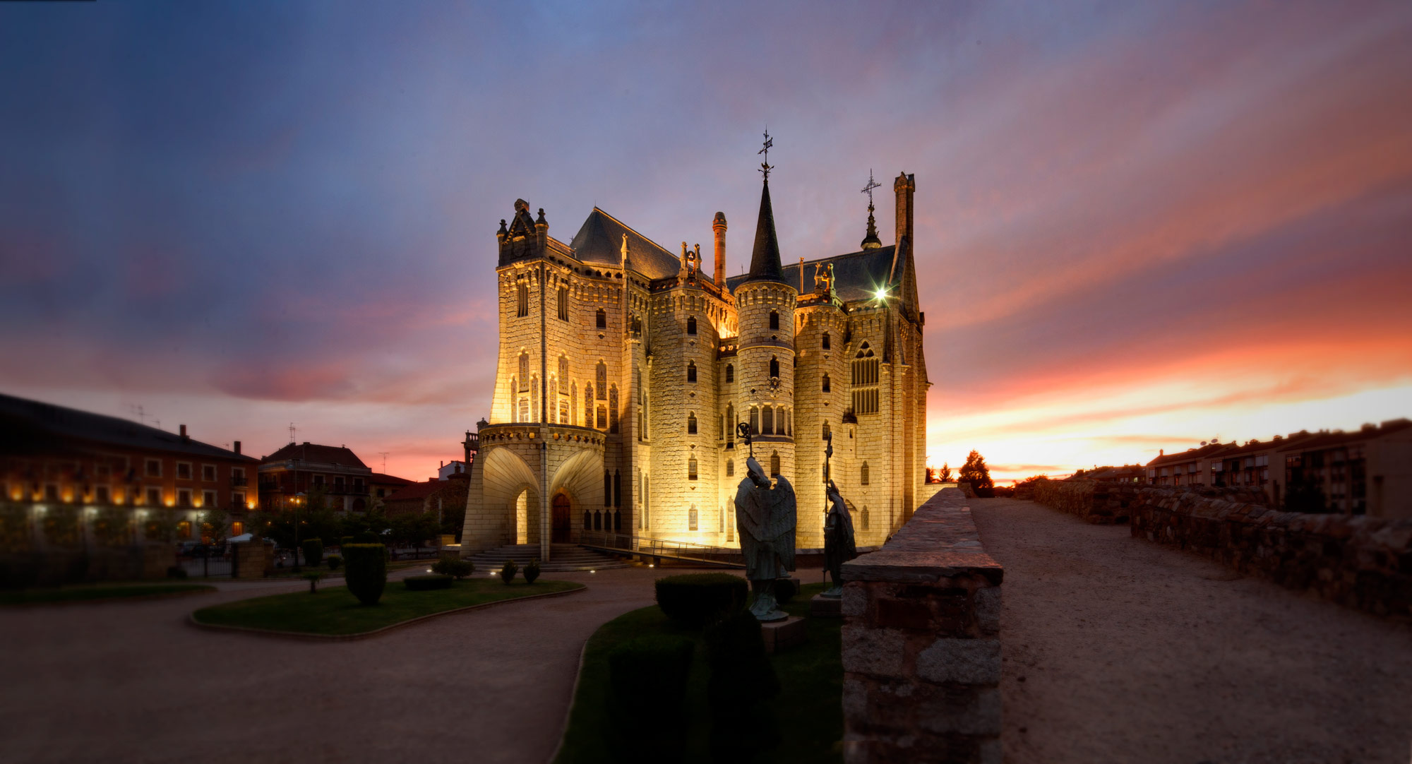 Slate Roofing Restores The Episcopal Palace In Astorga Spain